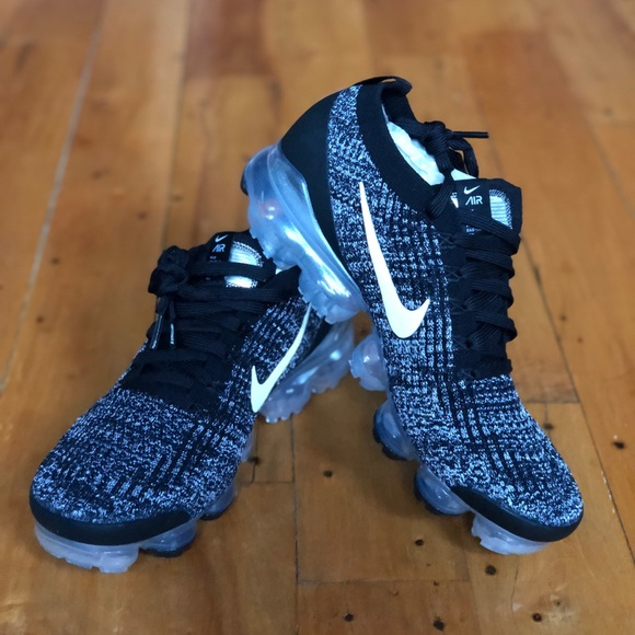 detailed look 313a4 64665 WOMEN'S NIKE AIR VAPORMAX FLYKNIT 3 RUNNING SHOES